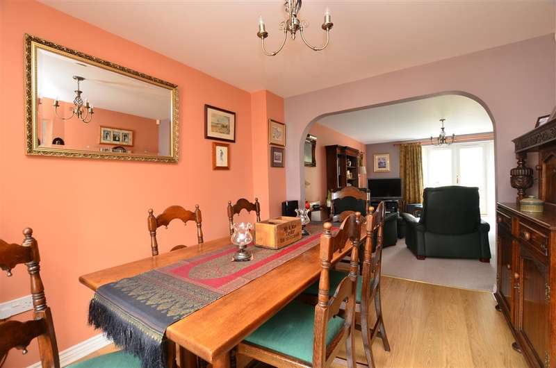 3 Bedrooms Terraced House for sale in Ruskins View, Herne Bay, Kent