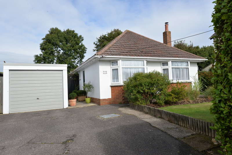 2 Bedrooms Detached House for sale in Gore Road, New Milton