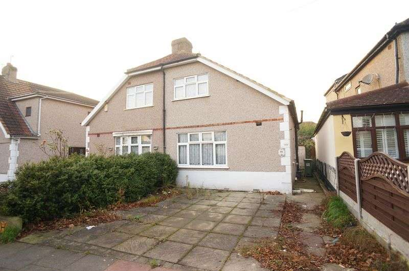 2 Bedrooms Semi Detached House for sale in Fen Grove, Sidcup, DA15 8QN