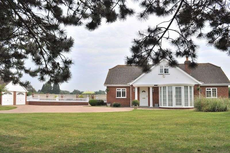4 Bedrooms Detached House for sale in College Road, Hextable