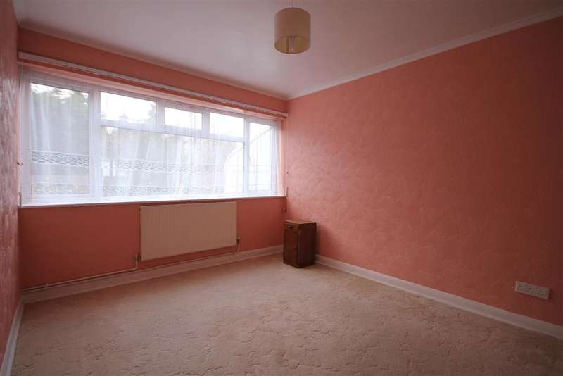 2 Bedrooms Ground Maisonette Flat for sale in Chilworth Gardens, Sutton, Surrey