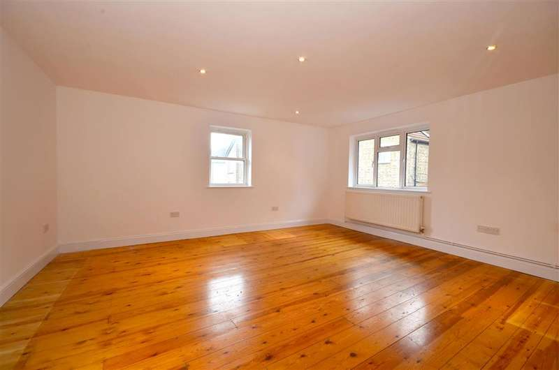 4 Bedrooms Apartment Flat for sale in High Street, Hythe, Kent