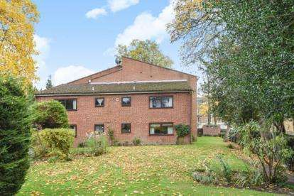 1 Bedroom Flat for sale in Holmoaks House, 47 Bromley Road, Beckenham