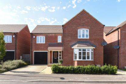 4 Bedrooms Detached House for sale in Waratah Drive, Chislehurst