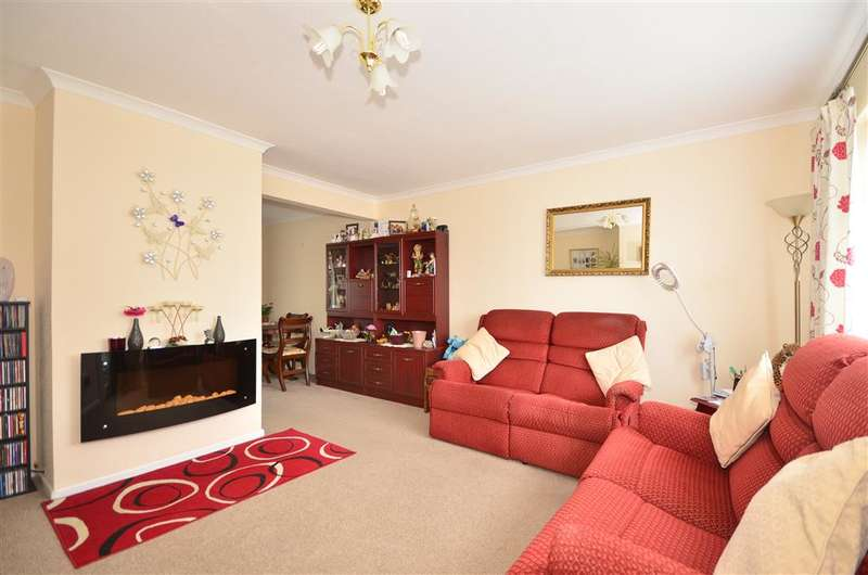 3 Bedrooms Semi Detached House for sale in College Close, Sandown, Isle of Wight