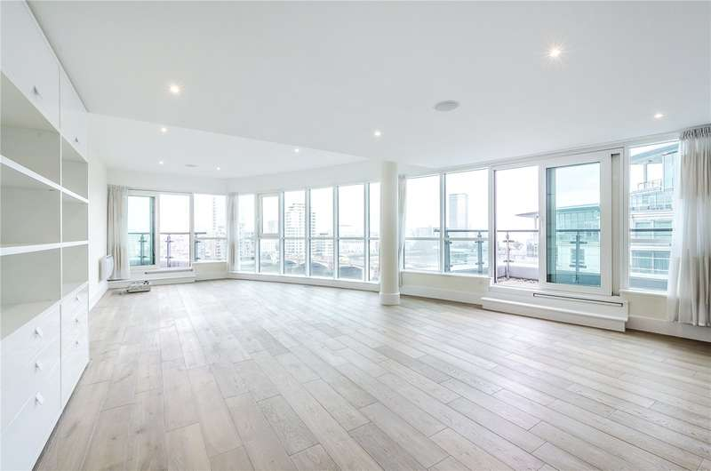 3 Bedrooms Flat for sale in Flagstaff House, St. George Wharf, London, SW8