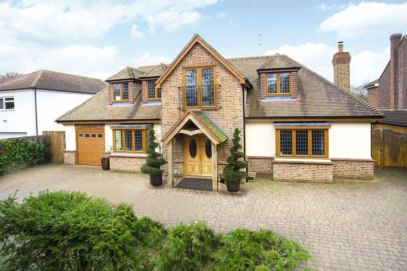 6 Bedrooms Detached House for sale in Newgate Street, Hertfordshire
