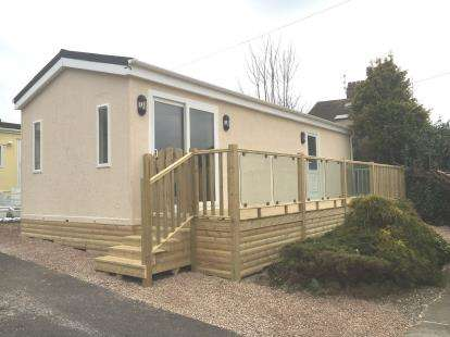 2 Bedrooms Bungalow for sale in Craigholme House Park, Crag Bank Road, Carnforth, LA5
