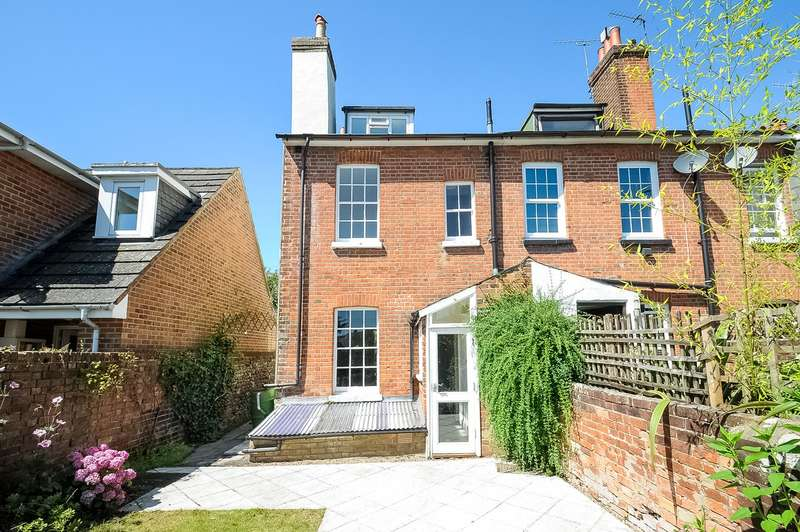 3 Bedrooms End Of Terrace House for sale in Alexandra Terrace, Winchester, SO23