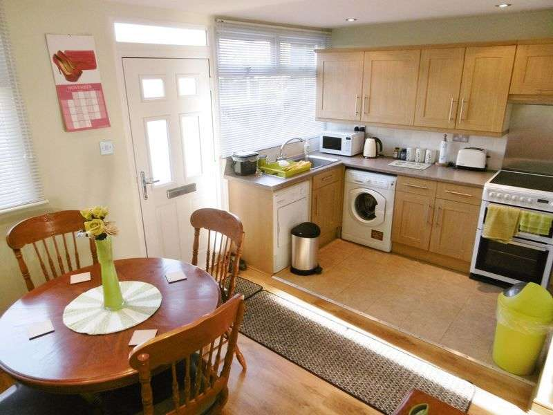 2 Bedrooms Terraced House for sale in Peterswood, Harlow, Essex