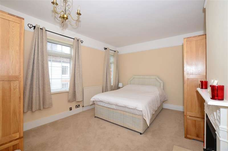 3 Bedrooms End Of Terrace House for sale in High Street, East Malling, West Malling, Kent
