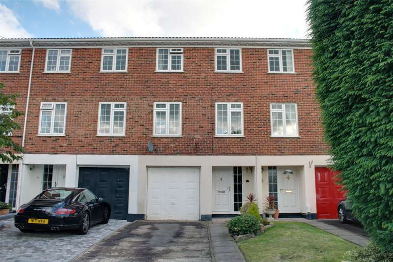 3 Bedrooms Terraced House for sale in Riversdell Close, Chertsey, Surrey, KT16
