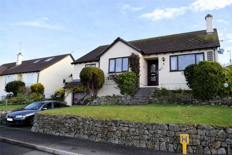 4 Bedrooms Detached Bungalow for sale in Tregarrick Close, Helston, Cornwall