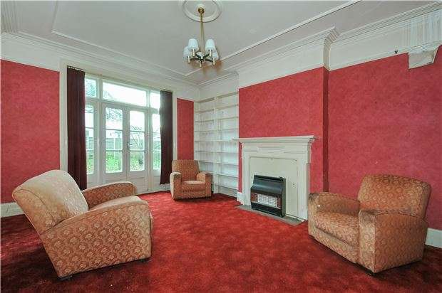 5 Bedrooms Semi Detached House for sale in Clairview Road, LONDON, SW16