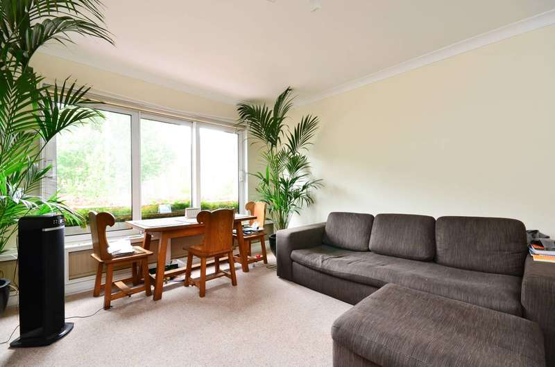 2 Bedrooms Flat for sale in Princes Gate, South Kensington, SW7