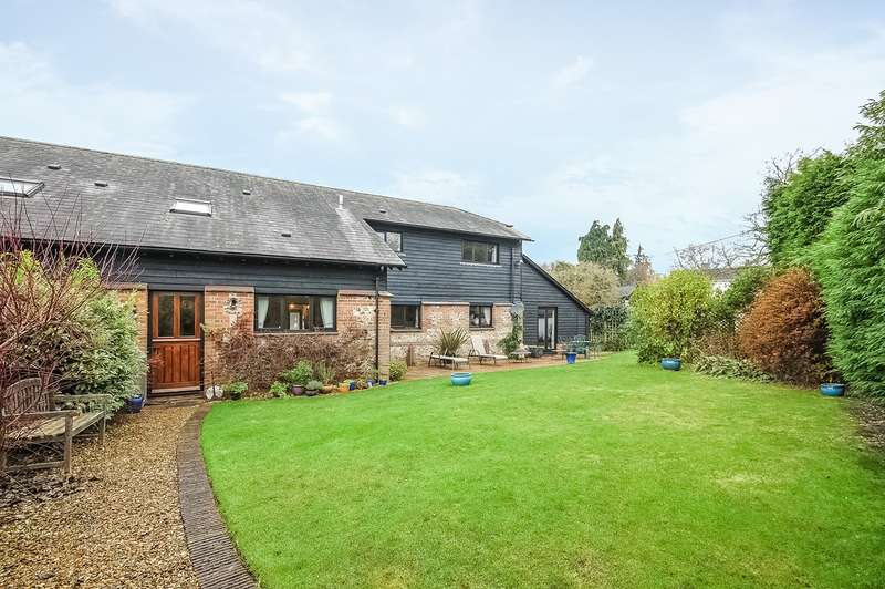4 Bedrooms Barn Conversion Character Property for sale in Old Home Farm Barns, High Street, Grateley, Andover, SP11
