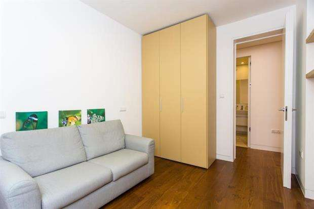 3 Bedrooms Apartment Flat for sale in North End House, Fitzjames Avenue, London, W14