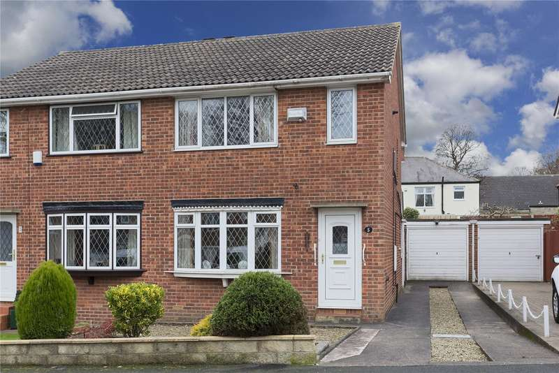 3 Bedrooms Semi Detached House for sale in St. Peters Gardens, Leeds, West Yorkshire, LS13
