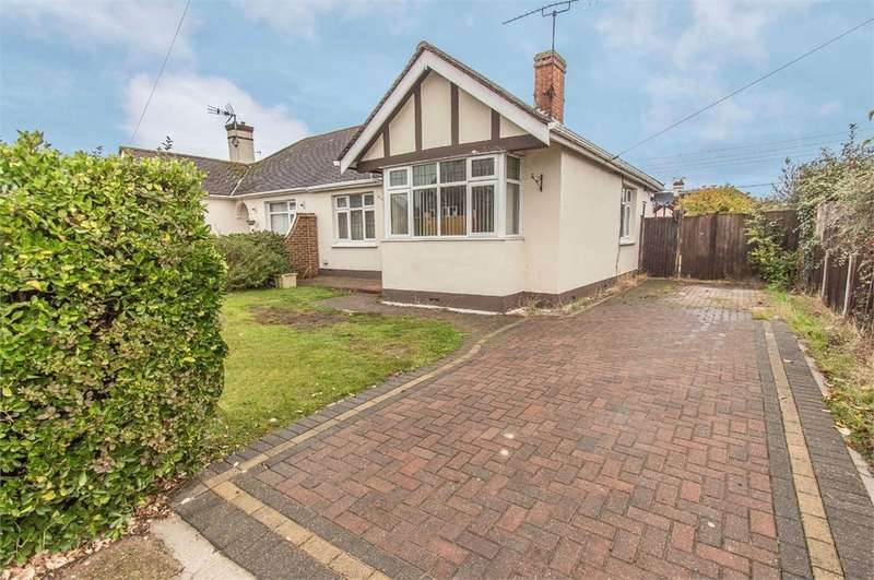 2 Bedrooms Semi Detached Bungalow for sale in Atherstone Road, Canvey Island, SS8