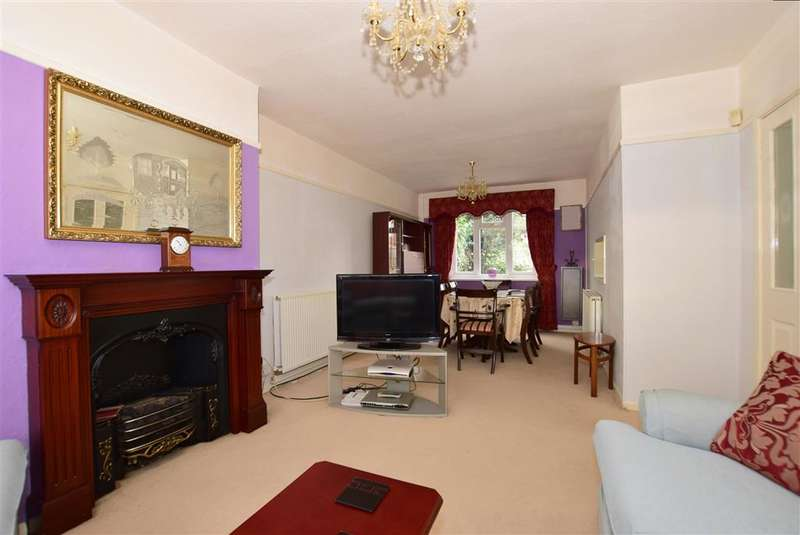 3 Bedrooms Semi Detached House for sale in Alderney Road, Erith, Kent