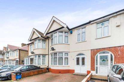 4 Bedrooms Terraced House for sale in Ilford