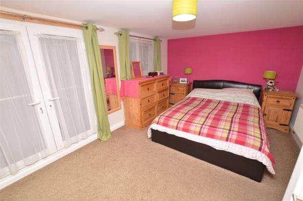 4 Bedrooms Semi Detached House for sale in Standarhay Villas, Plymouth, Devon
