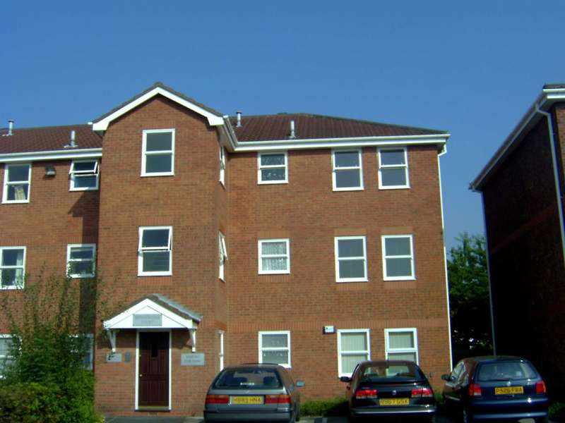 1 Bedroom Flat for sale in Bridgewater Court, Montonmill Gardens, Monton