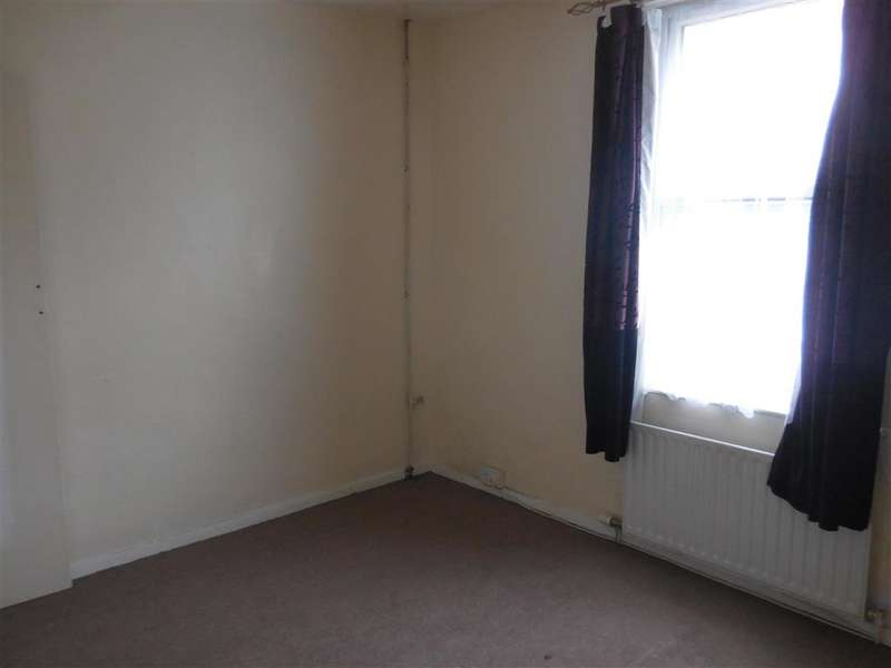 2 Bedrooms Terraced House for sale in Coombe Valley Road, Dover, Kent