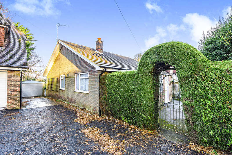 2 Bedrooms Detached Bungalow for sale in Brecwood Fermor Road, Crowborough, TN6