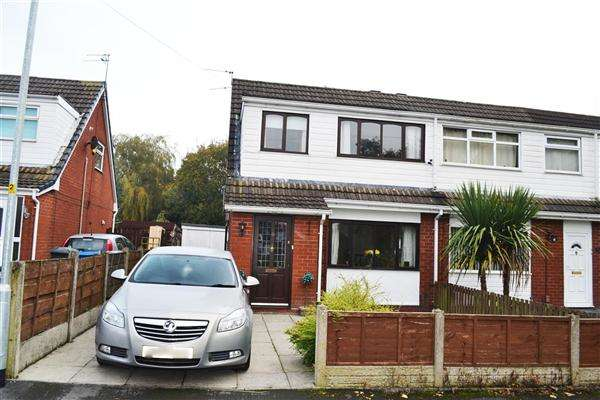 3 Bedrooms Semi Detached House for sale in Woodley Grove, Leigh