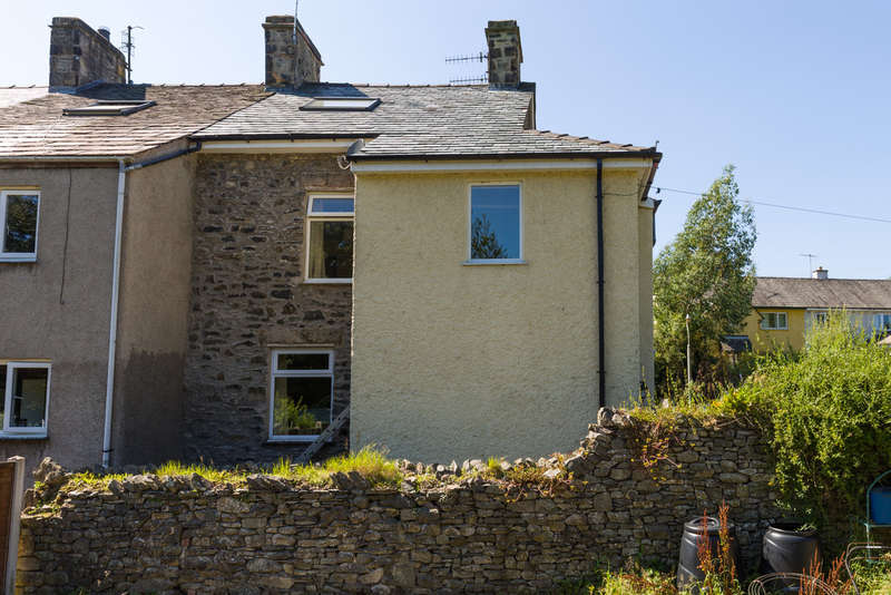 3 Bedrooms End Of Terrace House for sale in 1 Low Cottages, Endmoor, Kendal, Cumbria LA8 0HB