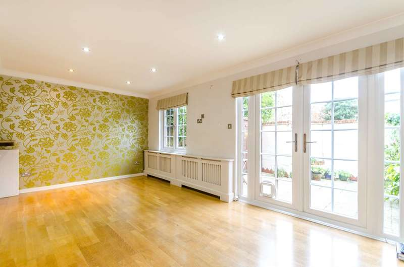 4 Bedrooms House for sale in The Farthings, Kingston, KT2