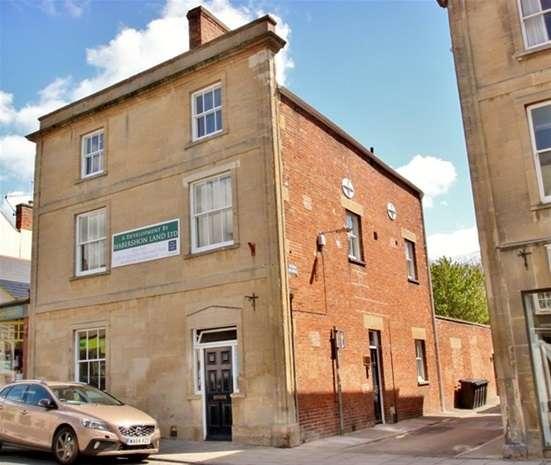 1 Bedroom Flat for sale in High Street, Glastonbury