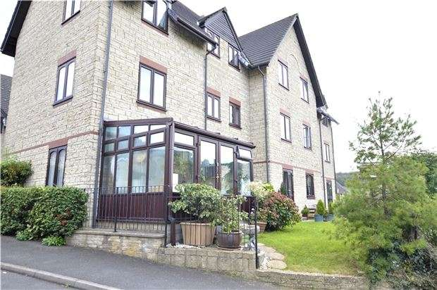 2 Bedrooms Flat for sale in Weavers House, Wesley Court, Stroud, Gloucestershire, GL5 1DS