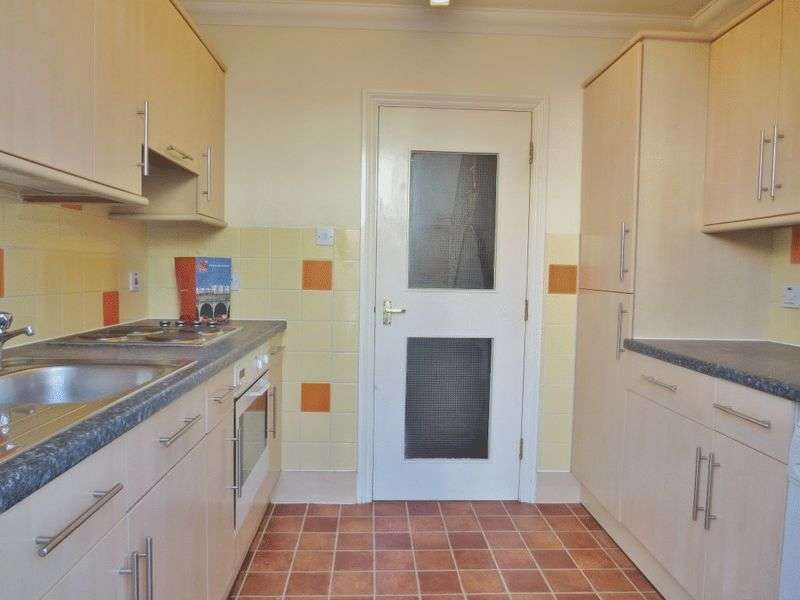 4 Bedrooms Flat for rent in Lewes Road, Brighton