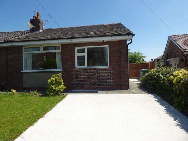 2 Bedrooms Semi Detached Bungalow for sale in St Stephen Road, Great Sankey, Warrington