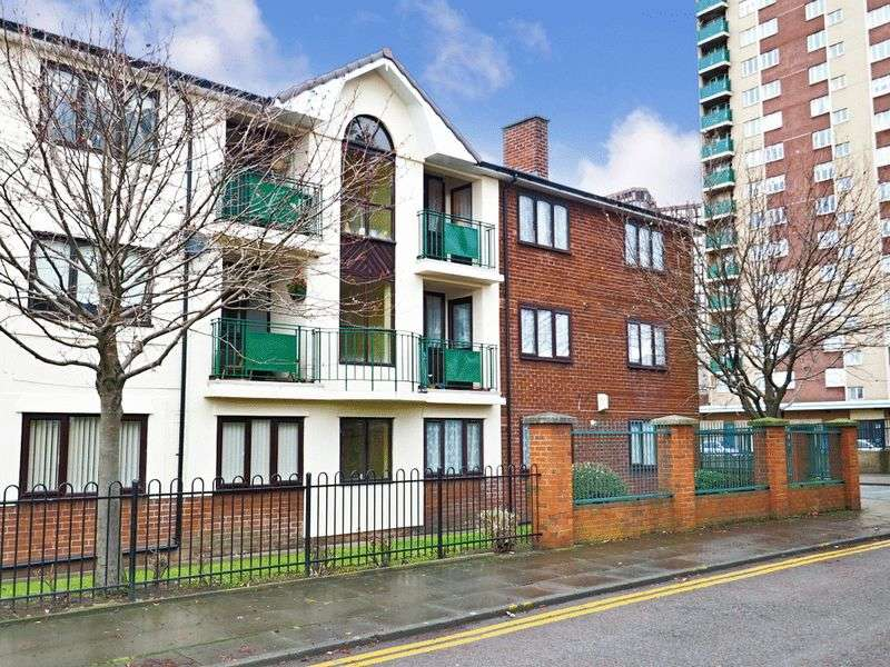 2 Bedrooms Flat for sale in Jersey Close, Bootle, Merseyside L20