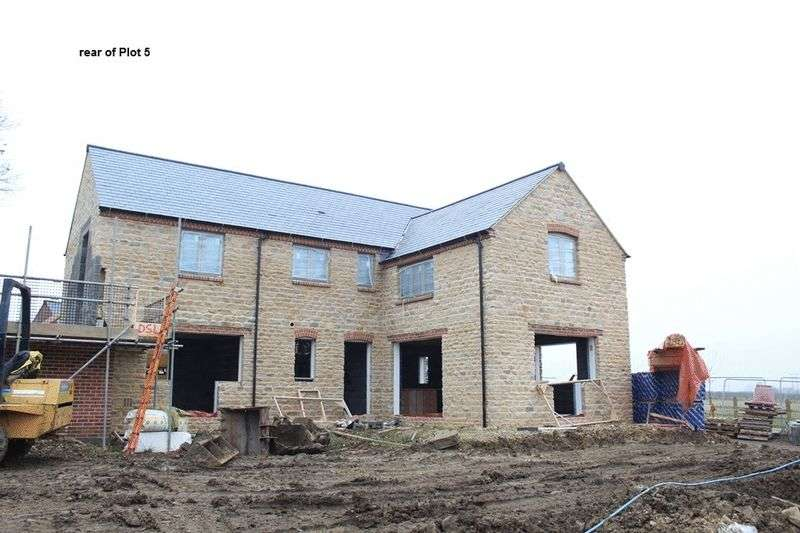 4 Bedrooms Detached House for sale in Glapthorn Road, Oundle