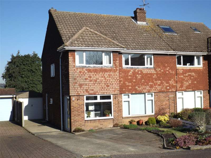 3 Bedrooms Semi Detached House for sale in Field Close, Abridge, Romford, Essex, RM4