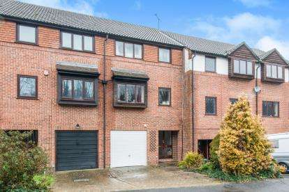 4 Bedrooms Terraced House for sale in Badger Farm, Winchester, Hampshire