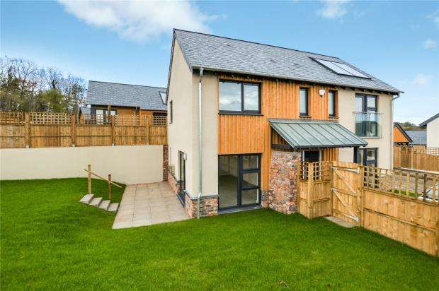 4 Bedrooms Detached House for sale in Limberland Avenue, Dartington, Totnes