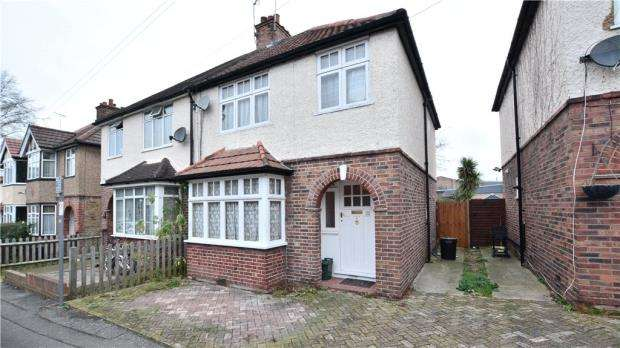 3 Bedrooms Semi Detached House for sale in Wilmar Close, Uxbridge, Middlesex