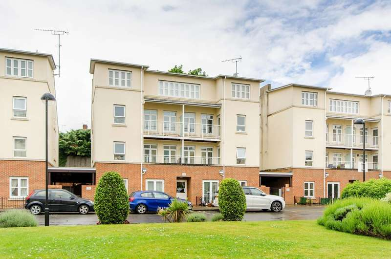 2 Bedrooms Flat for sale in Magdalene Gardens, East Barnet, N20
