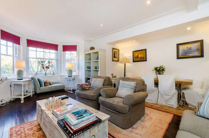3 Bedrooms Flat for sale in Queens Club Gardens, Barons Court, W14