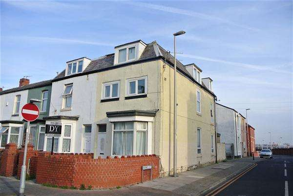 3 Bedrooms Property for sale in High Street, Blackpool