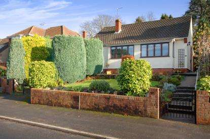 4 Bedrooms Detached House for sale in Heath Road, Downend, Bristol, South Gloucestershire