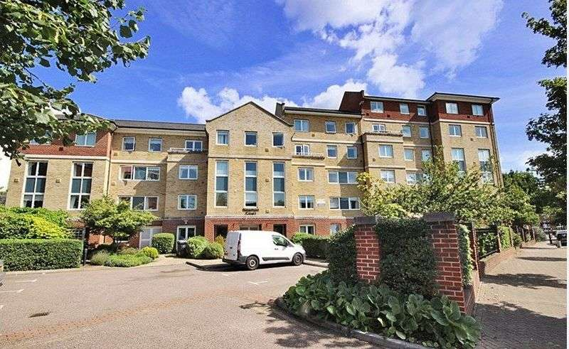1 Bedroom Flat for sale in Newman Court, North Street, Bromley: One bed fourth floor retirement apartment