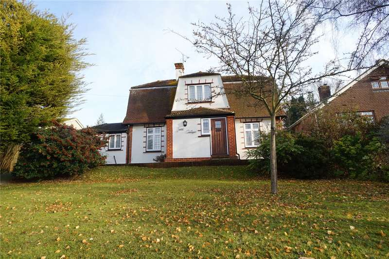 3 Bedrooms Detached House for sale in Downs Road, Istead Rise, Gravesend, Kent, DA13