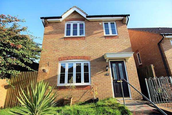 3 Bedrooms Detached House for sale in Hazelgrove, Tonyrefail, Tonyrefail