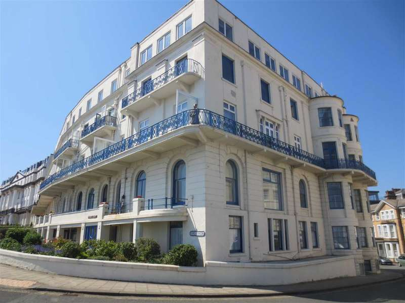 3 Bedrooms Apartment Flat for sale in Espanade, Scarborough